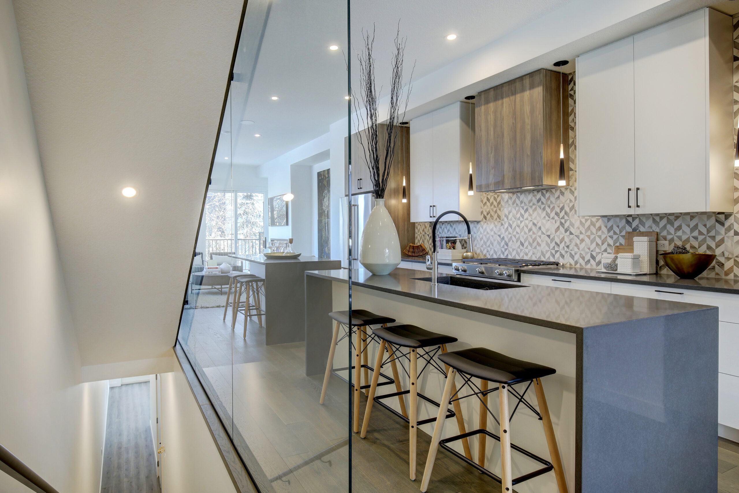 bankview townhomes - Photo 0